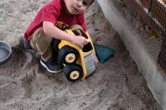 Daniel in sandbox